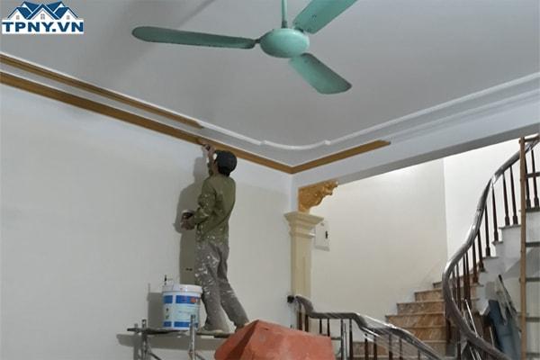 Tại sao sơn nhà nhanh bị phai màu?