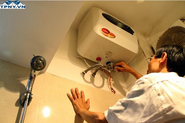 Kiểm tra bảo dưỡng, sửa bình nóng lạnh