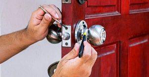 Thay khóa cửa tại nhà