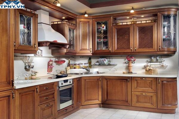 Tủ bếp gỗ tự nhiên sang trọng